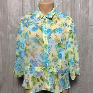 Beautiful Floral Blouse PLUS SIZE 2X